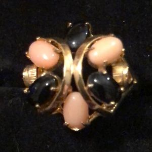 Jewelry - Gold Tone Ring SZ 6.5